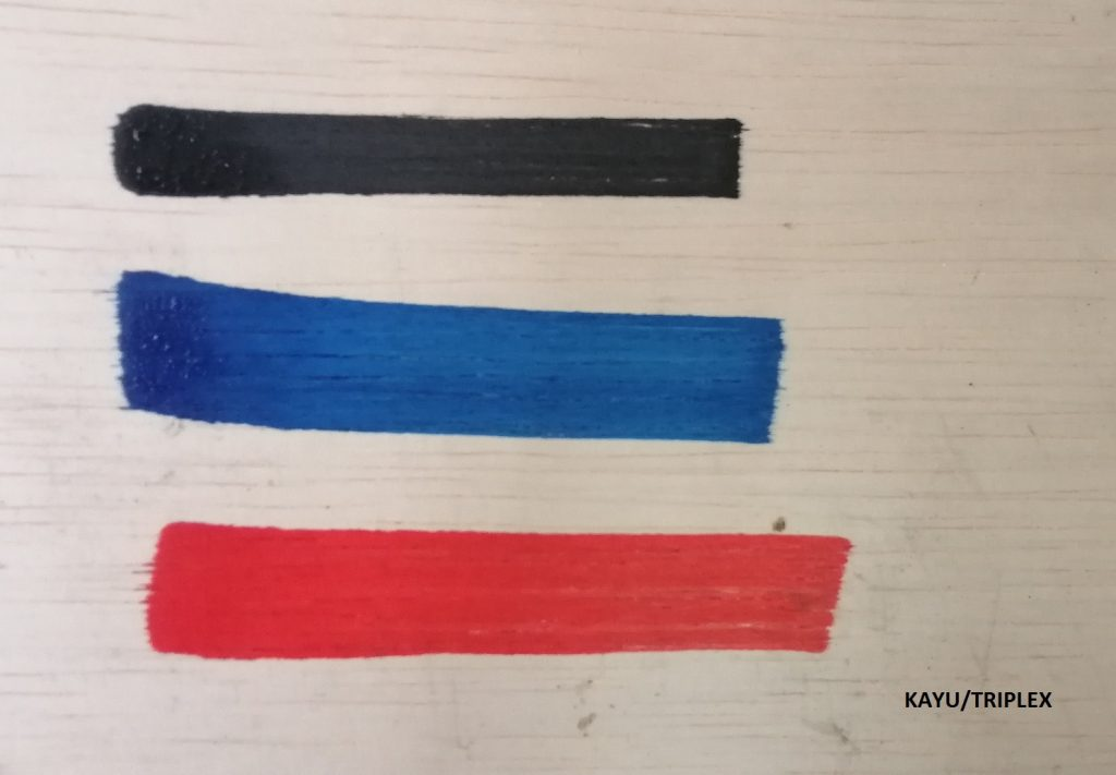 Contoh tulisan tinta permanen Summerson di atas Kayu/Triplex